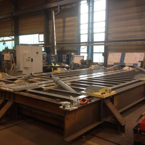 Trappe biologique motorisée pour atelier d'entretien – hauteur 80m – Sarcophage Tchernobyl Novarka