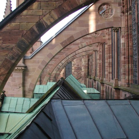 Supportage arc-boutant pour la rénovation de pierres de tailles – Cathédrale de Strasbourg
