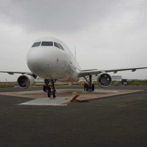 Ancrage au sol d'un A320 pour exercices pompiers  – Aéroport de Roissy – Charles De Gaulles